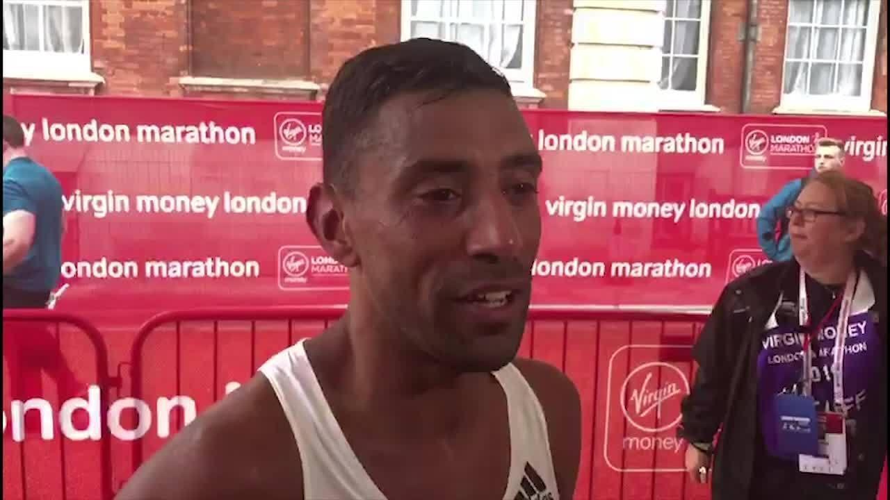 Brasileiro Daniel Chaves comemora índice olímpico e 15º lugar na Maratona de Londres