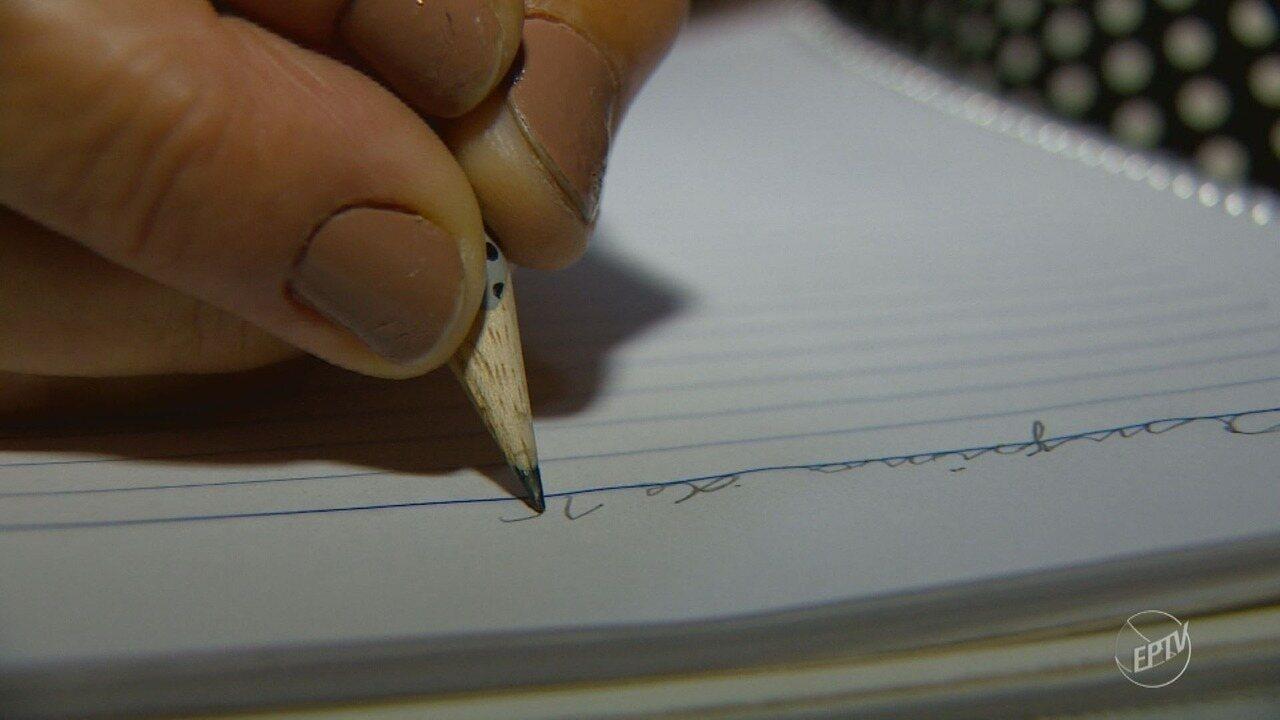 Campinas tem mais de 28 mil jovens acima de 15 anos que não sabem ler ou escrever