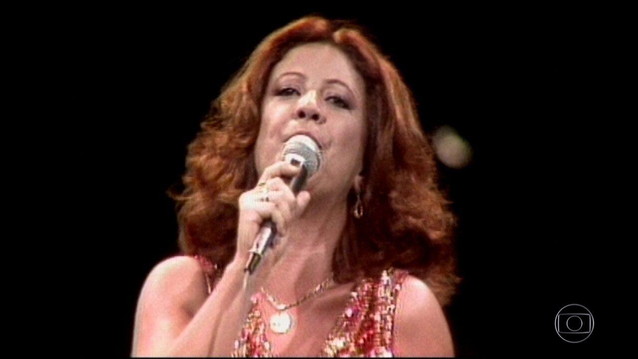 Veja a trajetória da cantora Beth Carvalho