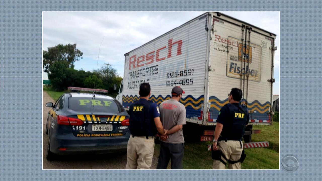 Motorista é flagrado no bafômetro e preso após procurar posto da PRF
