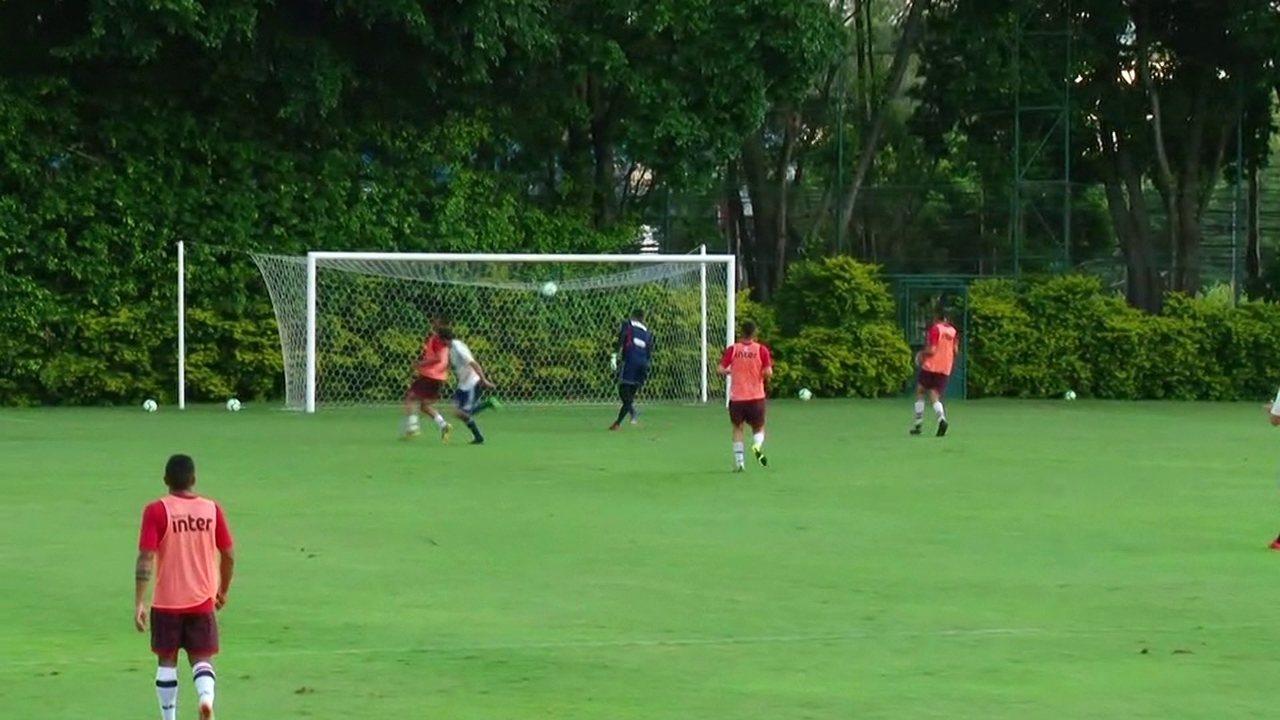Nenê faz golaço em jogo-treino do São Paulo no CT