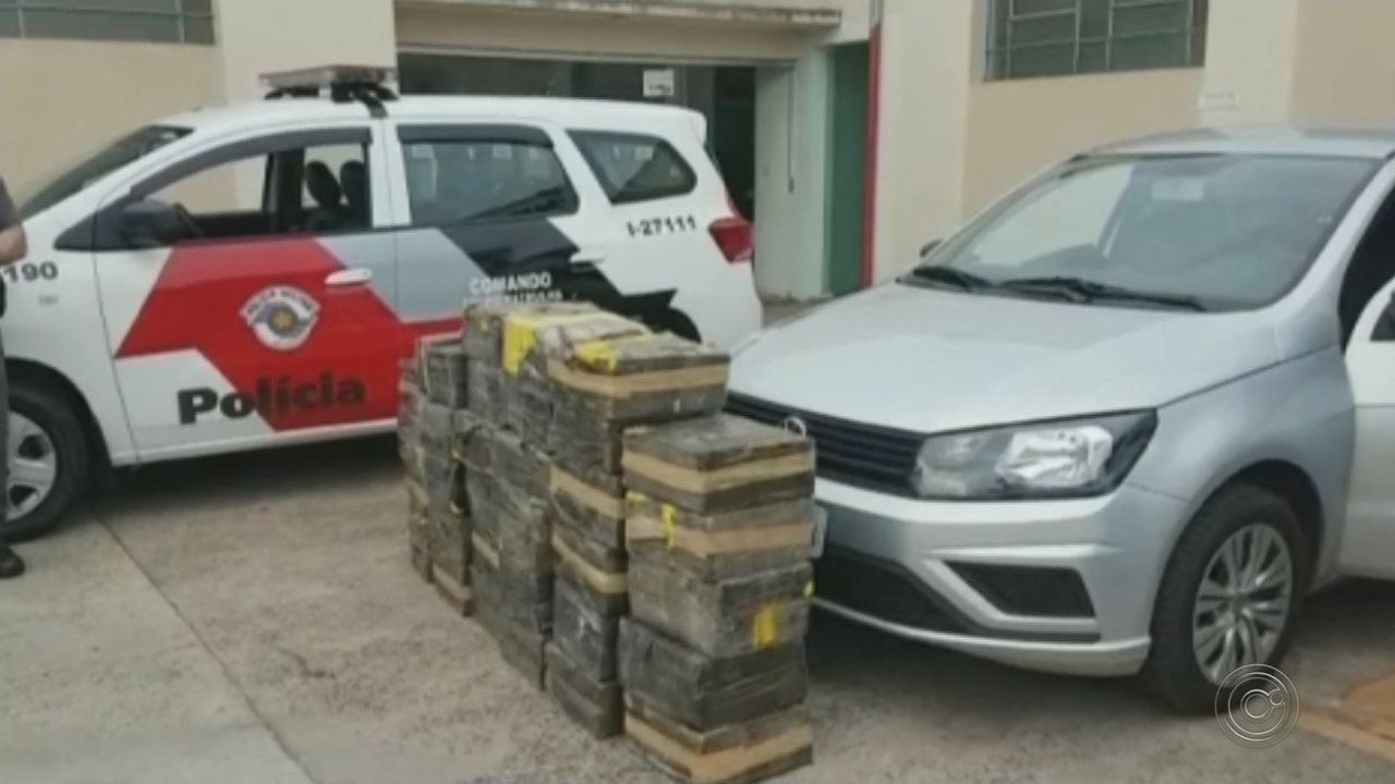 Motorista é preso com quase 400 quilos de maconha dentro de carro em rodovia