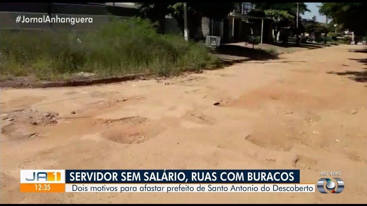 Vereadores afastam prefeito de Santo Antônio do Descoberto e decretam estado de calamidade