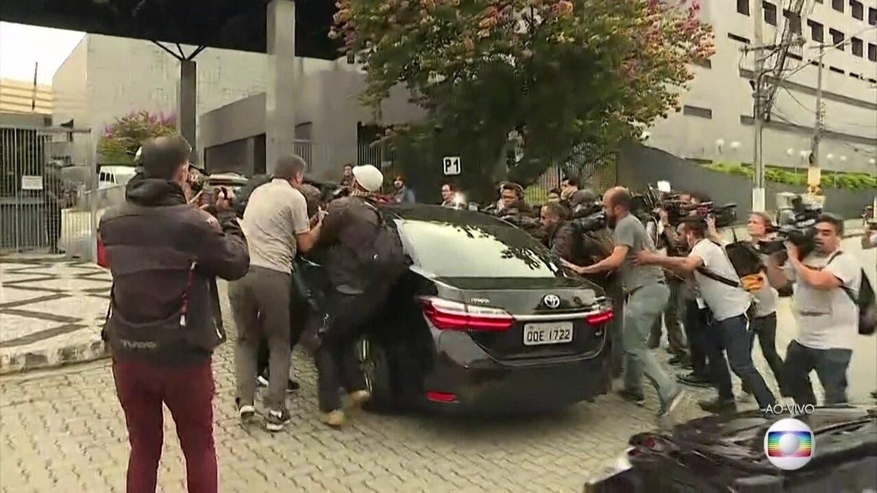 Ex-presidente Michel Temer chega à sede da Polícia Federal em SP