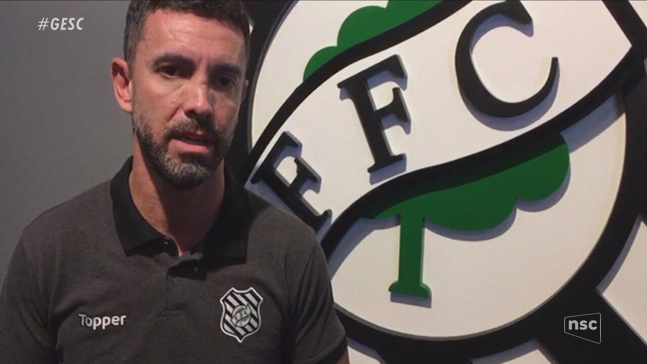 Rodrigo Faraco analisa saída de Fernandes
