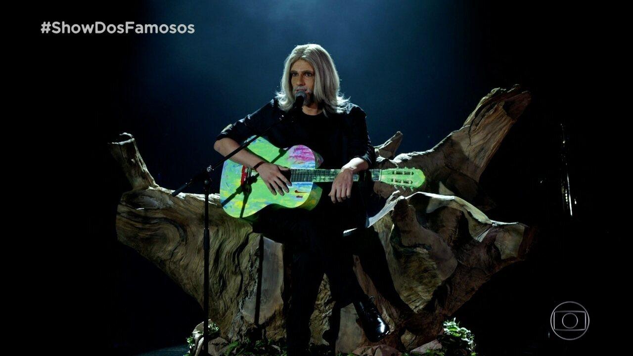 Hugo Bonemer homenageia Oswaldo Montenegro no Show dos Famosos