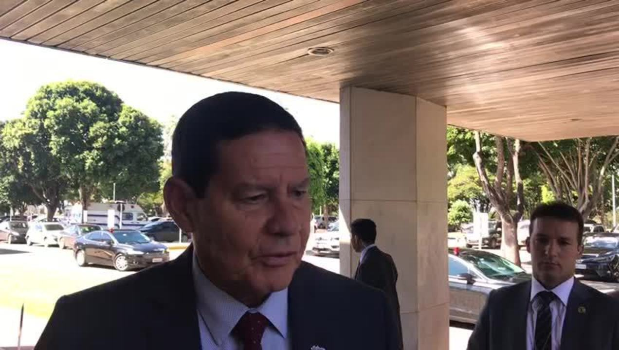 Mourão disse que viagem à China servirá para estreitar relações do Brasil com o país