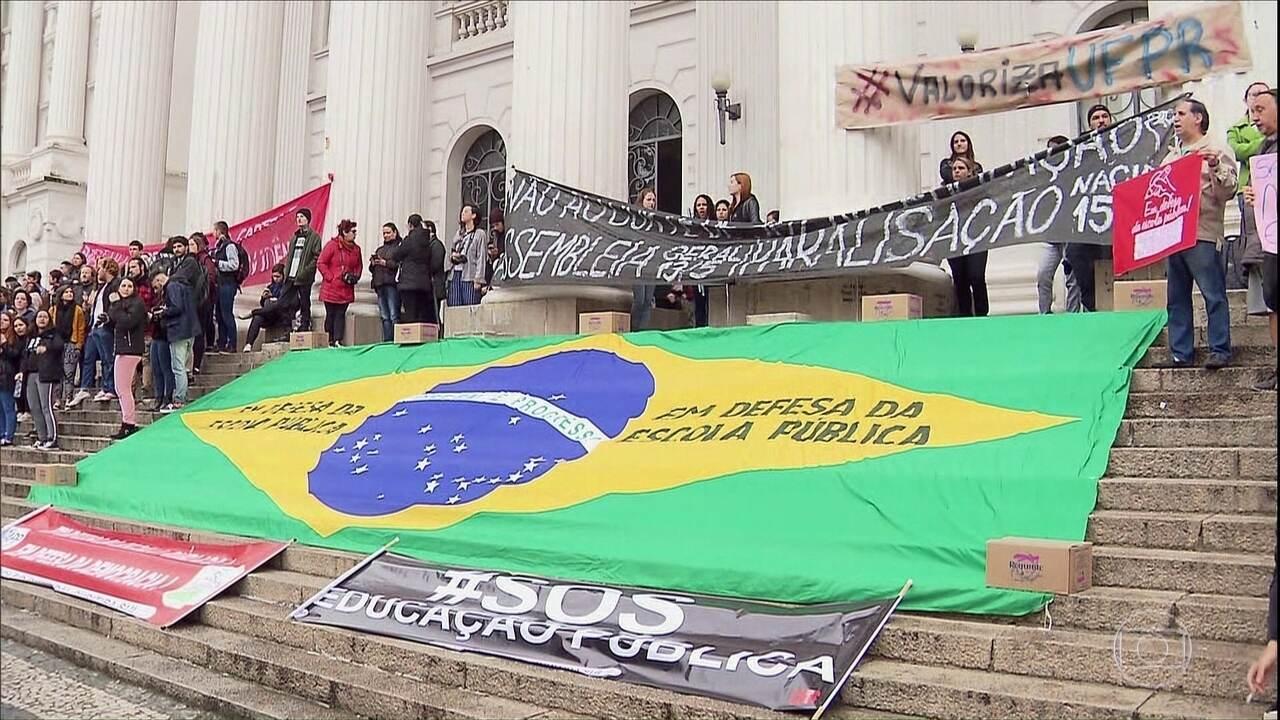 Boletim: Estados e DF têm atos contra bloqueios de recursos na Educação