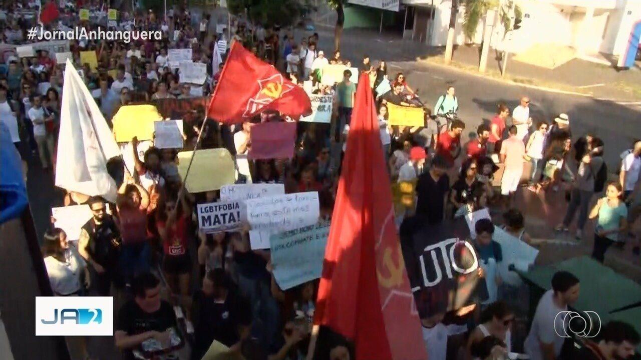 Goiás tem protestos contra cortes de recursos na educação