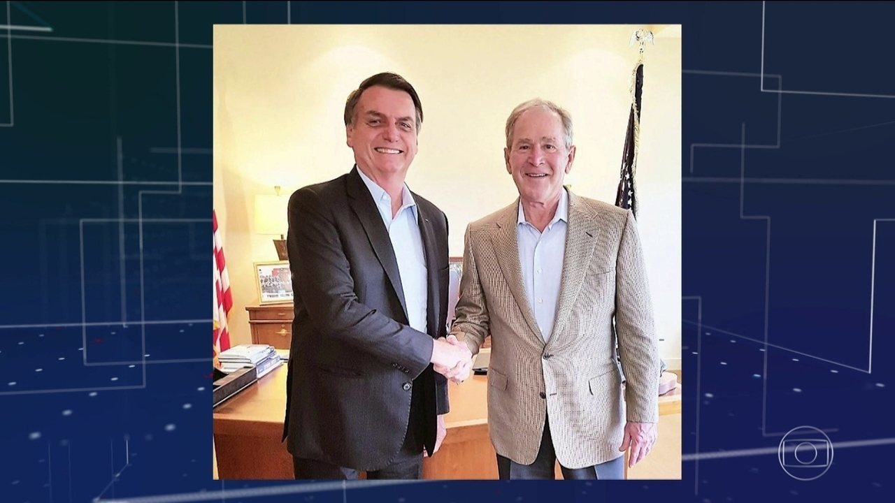 Em Dallas, nos EUA, Bolsonaro se encontra com George W. Bush