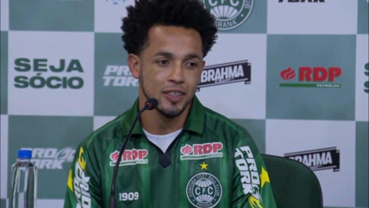 "Rafinha se emociona volta ao Coritiba: ""Estou aqui de corpo e alma para poder ajudar"""