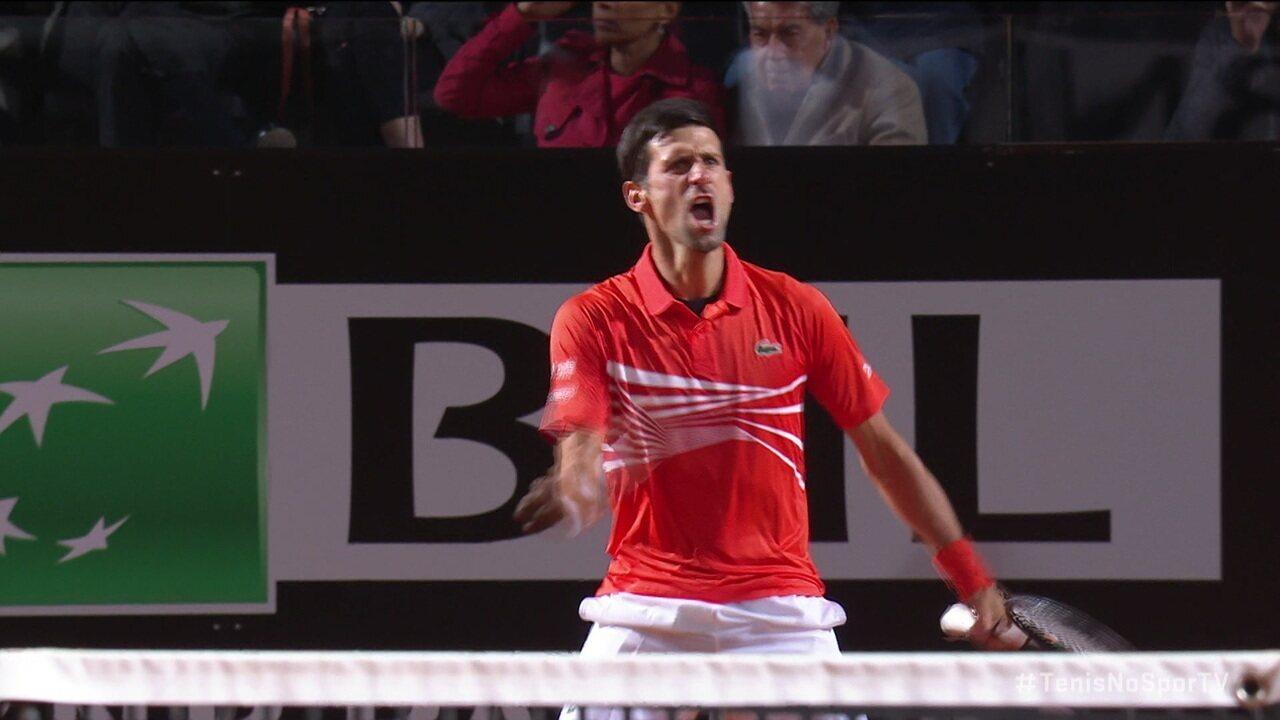 Djokovic vira no tiebreak e vence o segundo set contra Del Potro em Roma