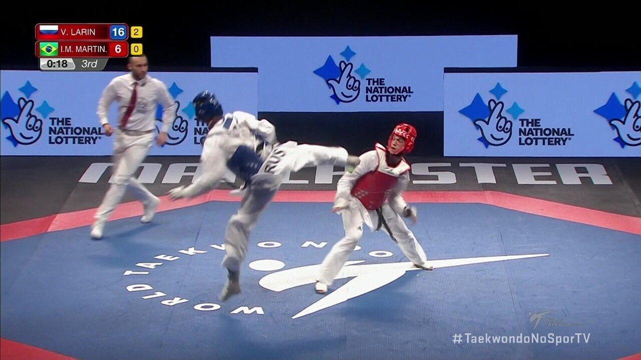 Icaro Martins fica com a prata no Mundial de taekwondo