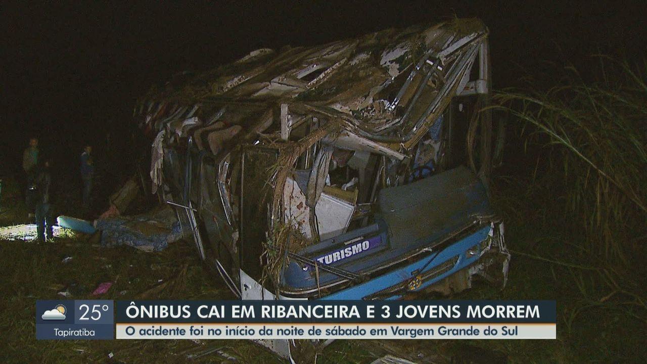 Acidente envolvendo ônibus deixa três jovens mortos em Vargem Grande do Sul