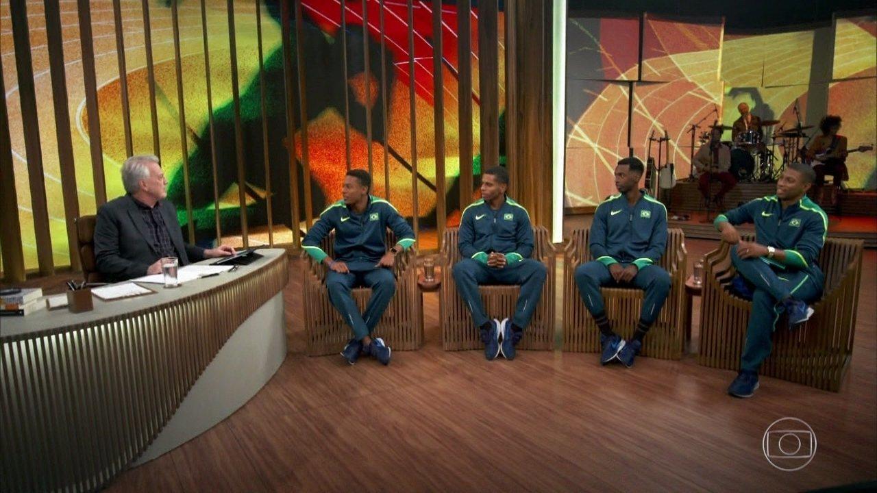 Bial recebe Paulo André Camilo De Oliveira, Derick Souza, Jorge Vides e Rodrigo Nascimento