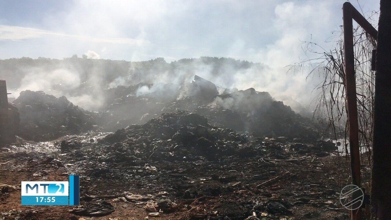 Incêndio consome lixão do município de Denise