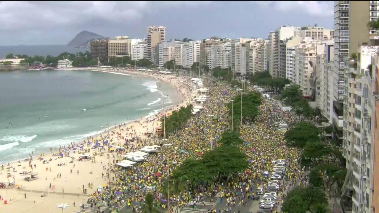 Cidades brasileiras tem atos a favor de Bolsonaro