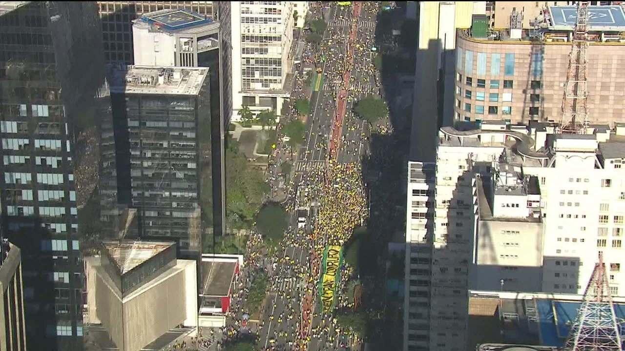 Ato a favor do governo em SP se concentra na Avenida Paulista