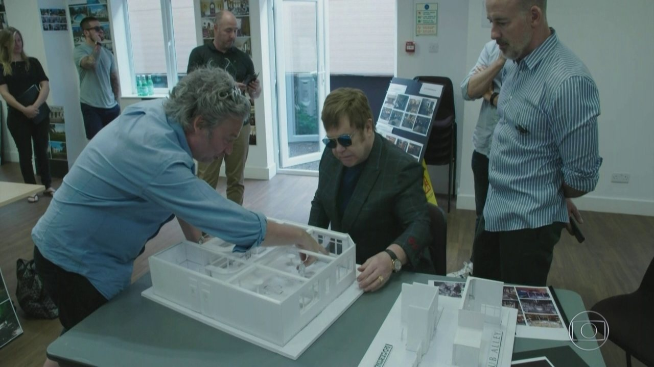 Elton John acompanhou de perto a filmagem de 'Rocketman', longa sobre sua vida
