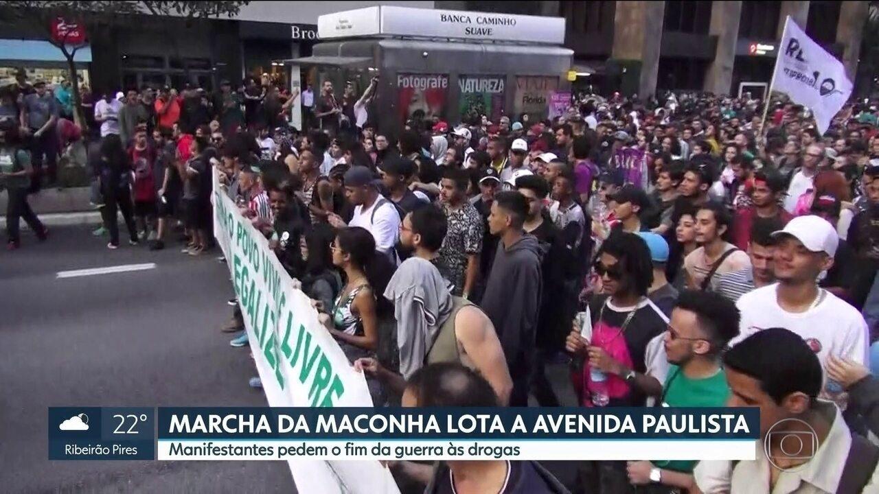 Marcha da Maconha lota Avenida Paulista