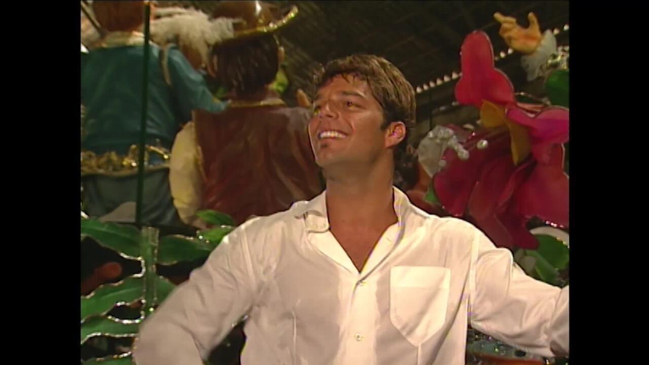 Reveja a participação de Ricky Martin visitando a Portela no Vídeo Show
