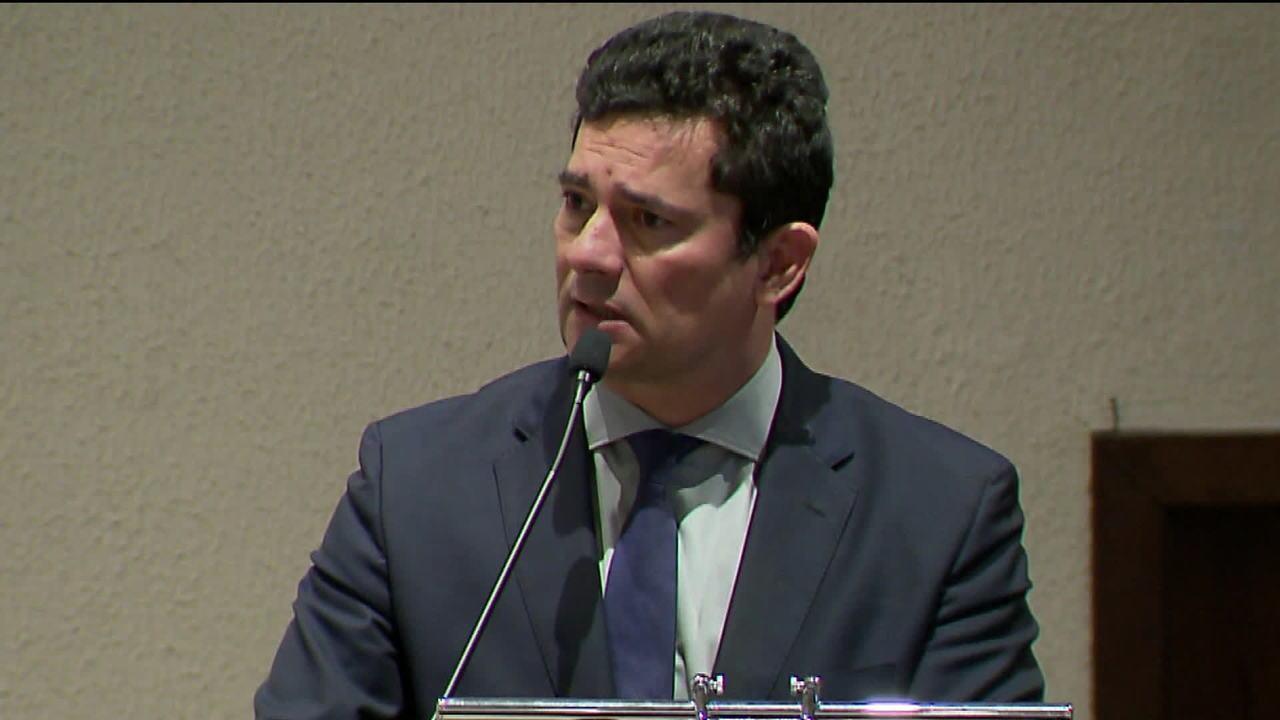 Site divulga trechos de mensagens atribuídas a procuradores e a Sérgio Moro