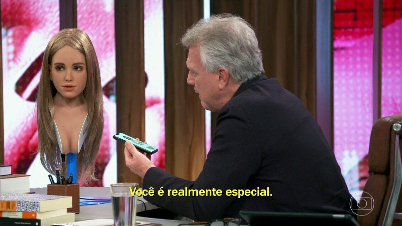 Pedro Bial flerta com Harmony, a primeira robô sexual inteligente do mundo