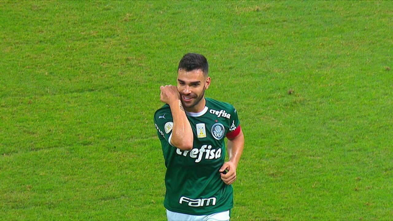 Gol do Palmeiras! Bruno Henrique acerta um lindo chute de fora da área, aos 20' do 2º tempo
