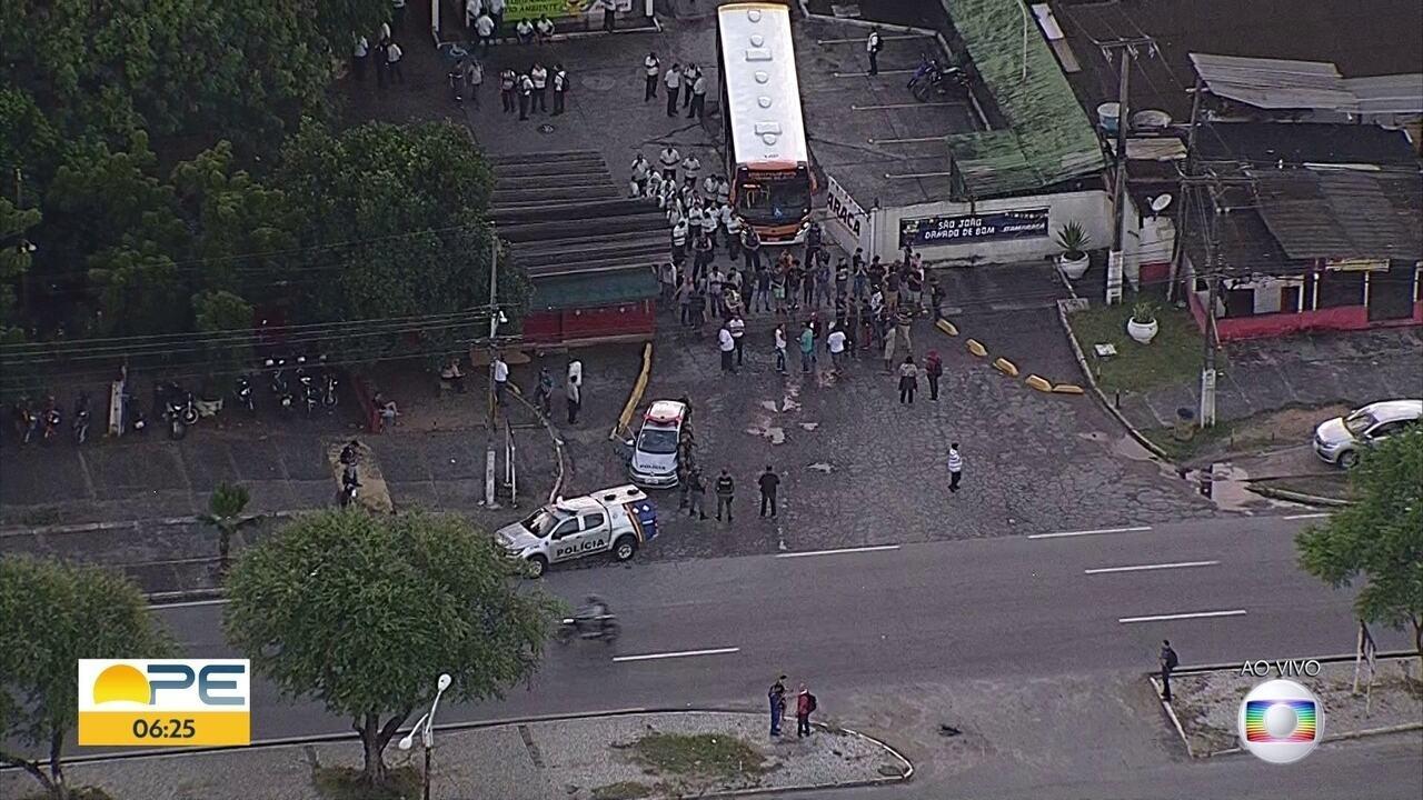 Greve diminui circulação de transporte público no Grande Recife