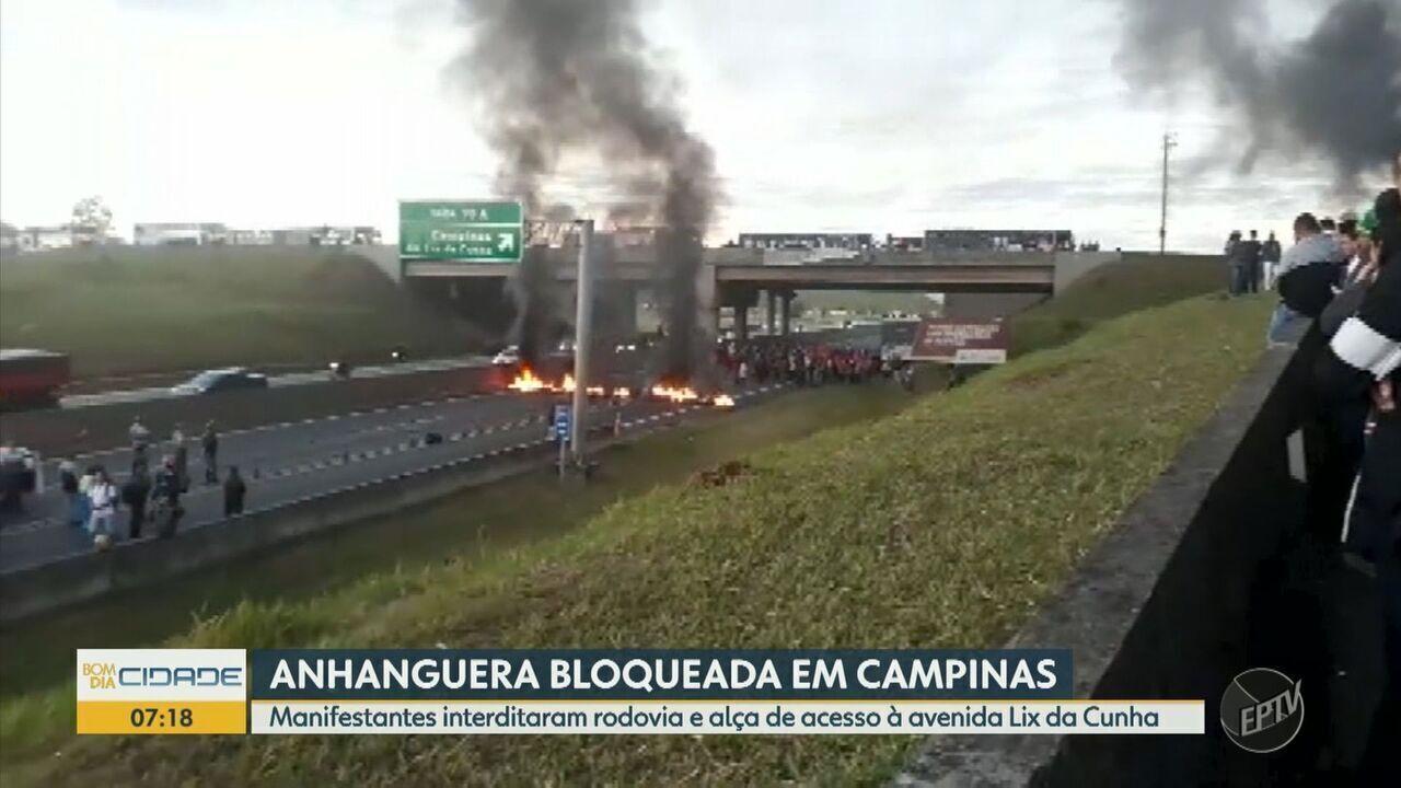 Manifestantes interditaram Rodovia Anhanguera e alça de acesso à avenida Lix da Cunha