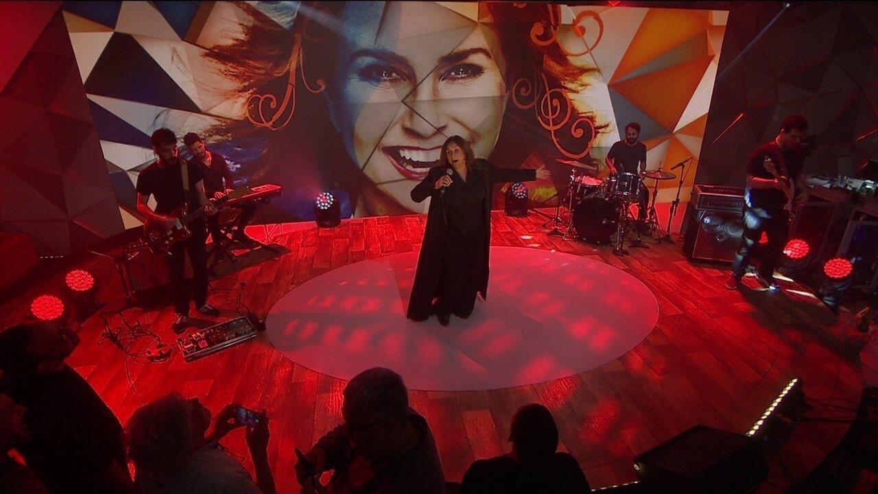 Fafá de Belém canta 'Vermelho' no palco do Fantástico