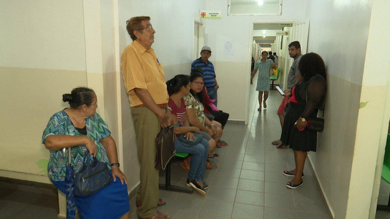 Medicamentos continuam em falta no Hosmac e pacientes reclamam