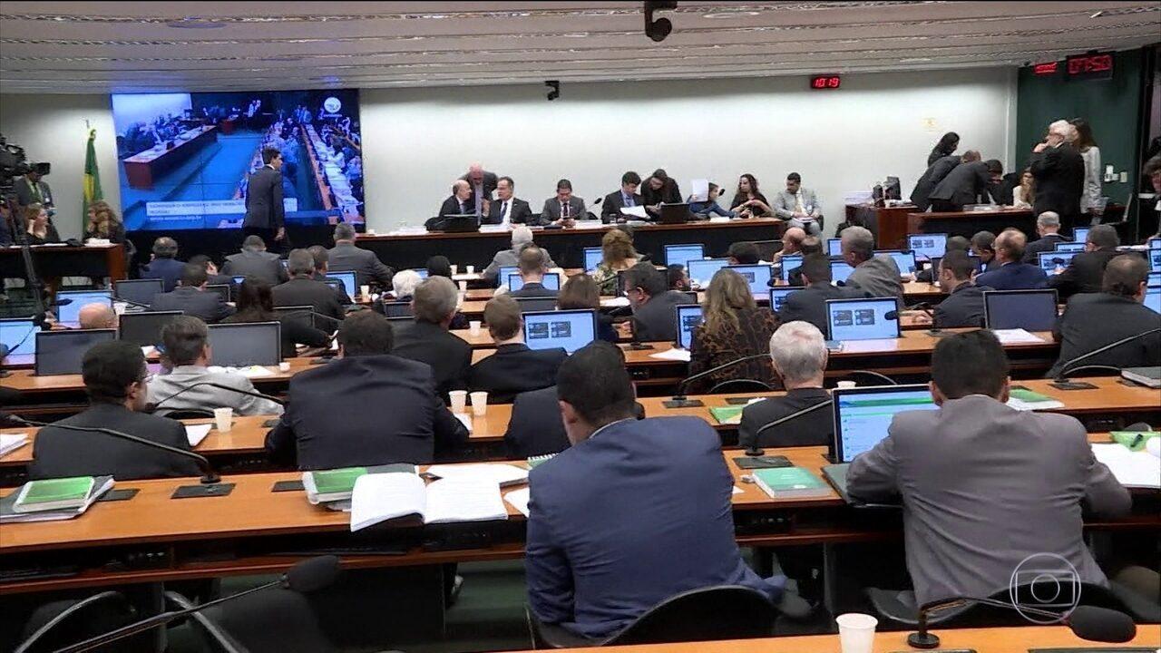 Comissão da Câmara começa a debater parecer do relator que propõe mudanças na Previdência