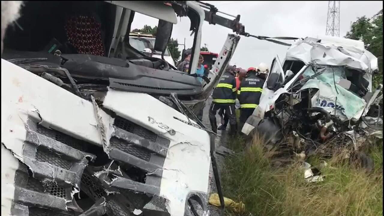 Acidente em estrada na Bahia deixa oito mortos