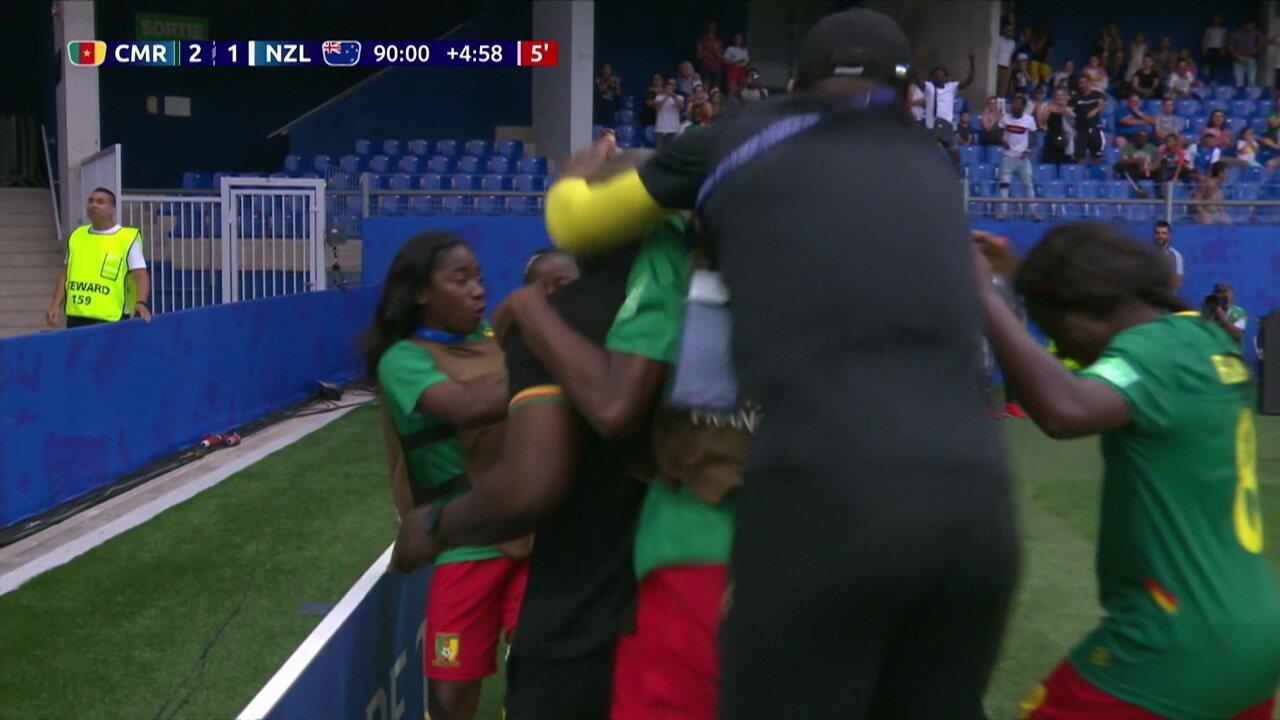 Gol de Camarões! Nchout recebe em contra-ataque e chuta colocado, aos 49' do 2º tempo