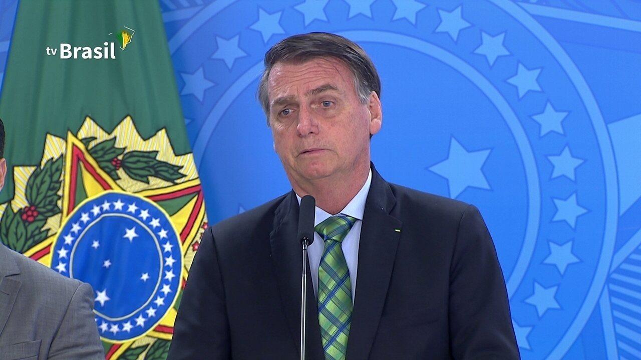 'Na ponta da linha, quem demarca terra indígena é o presidente', diz Jair Bolsonaro