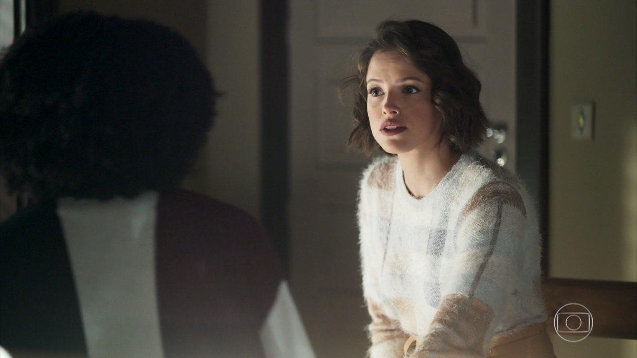 Jô sugere que Gilda minta para Amadeu sobre seu estado de saúde