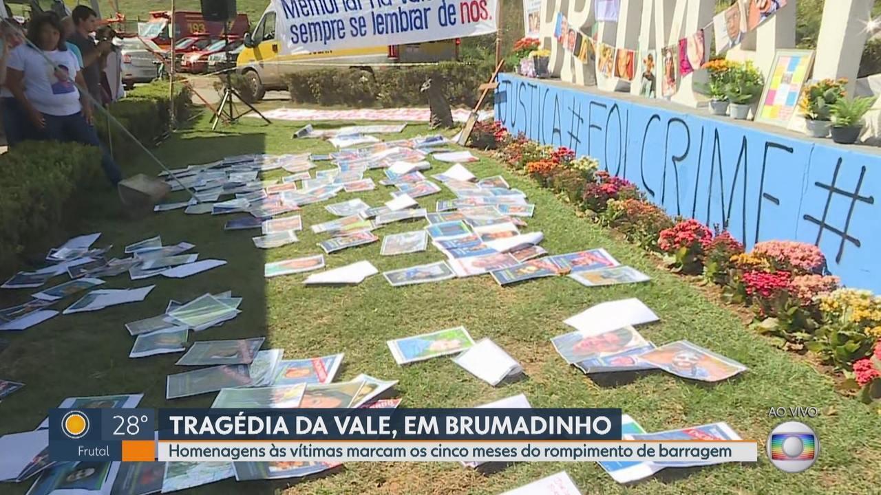 Cinco meses após rompimento da barragem da Vale, familiares fazem ato em Brumadinho