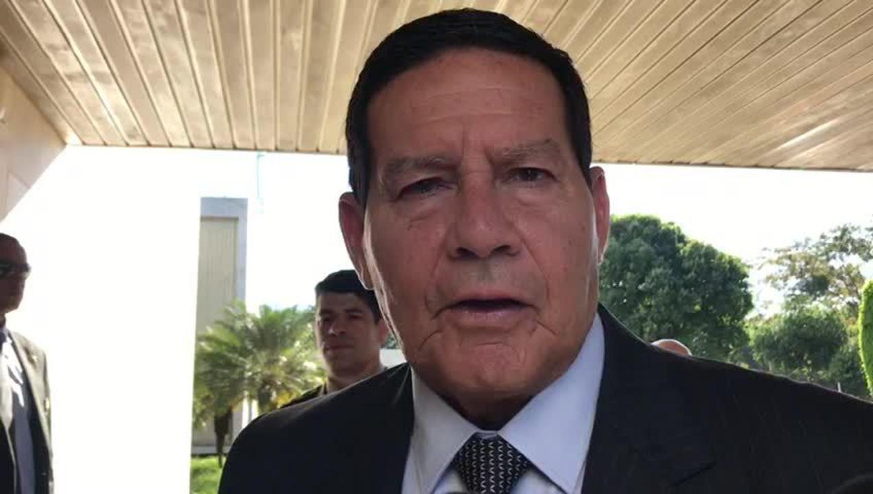 Mourão diz que o governo foi eleito com pauta de apoio à posse de armas