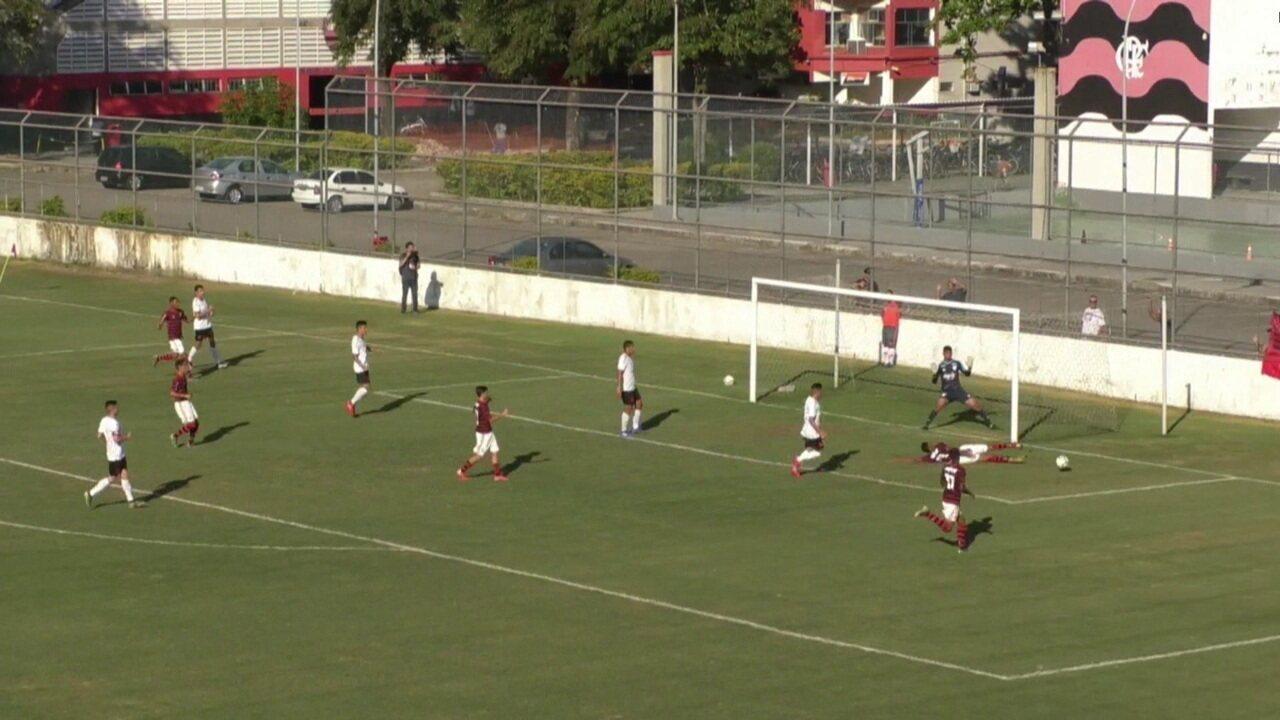 Melhores momentos de Flamengo 3 x 0 Athletico-PR pelo Campeonato Brasileiro Sub-17