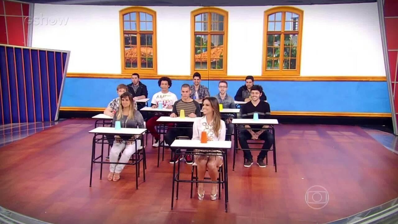 Mariana Rios canta e faz apresentação com copos no palco do 'Caldeirão'