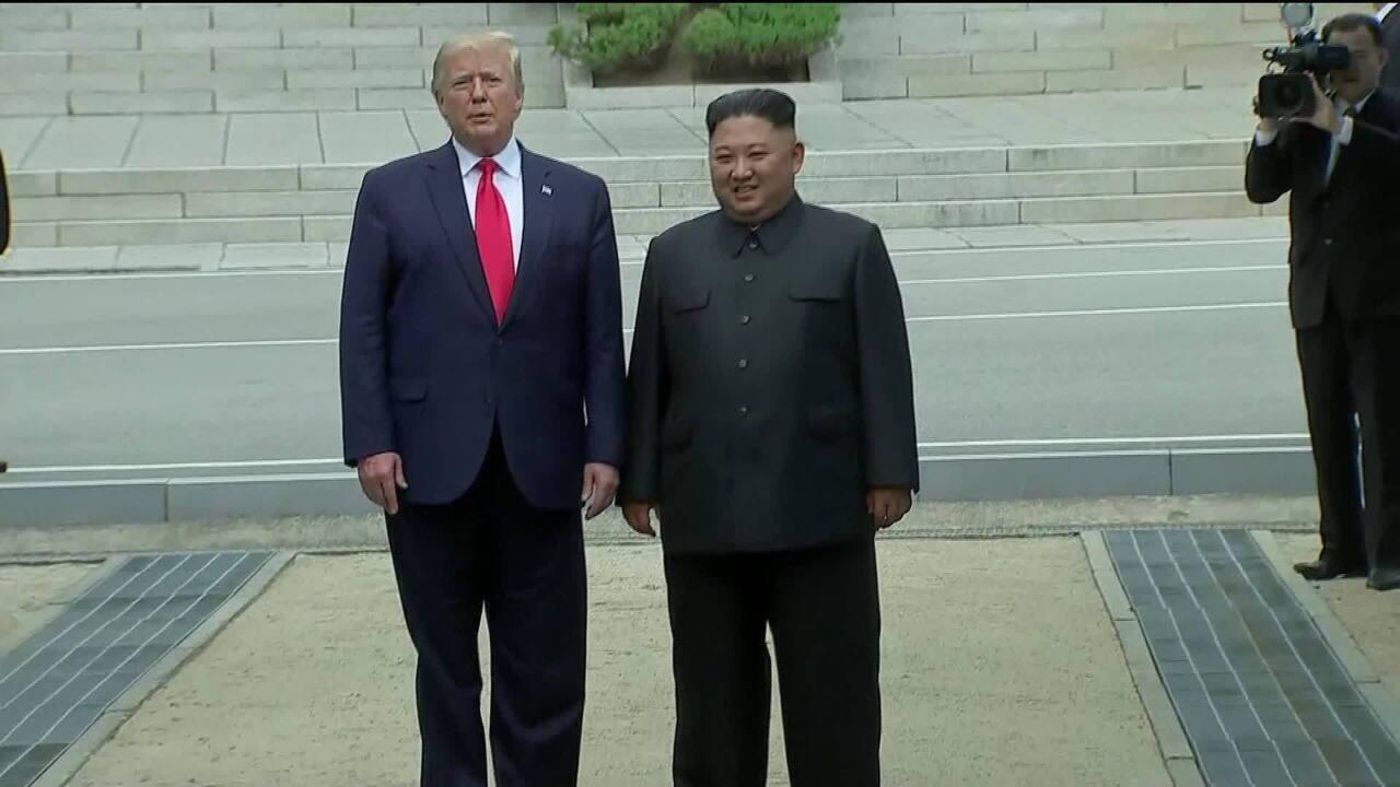 Trump e Kim Jong-Un decidem retomar diálogo sobre acordo nuclear
