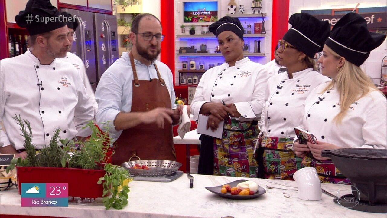 O chef ensinou a fazer uma Burrata e Pimentão Recheado