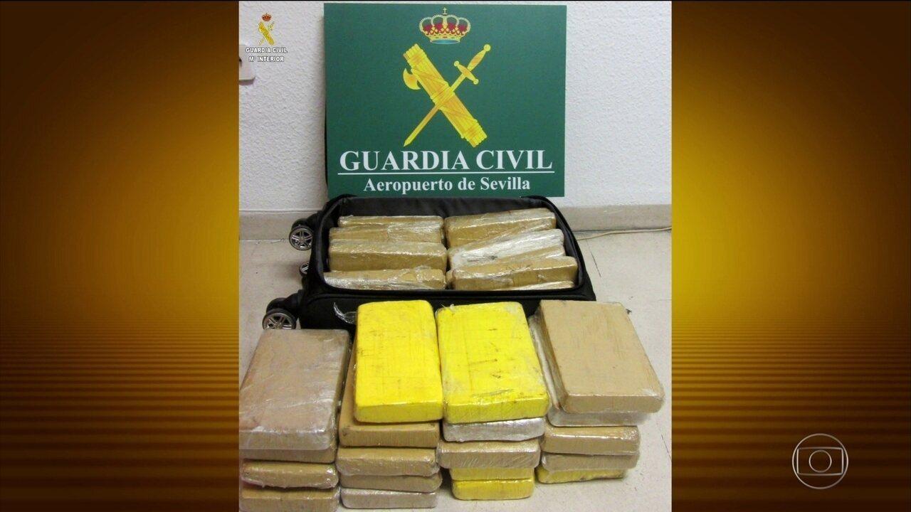Polícia da Espanha divulga fotos oficiais da cocaína apreendida com o militar brasileiro