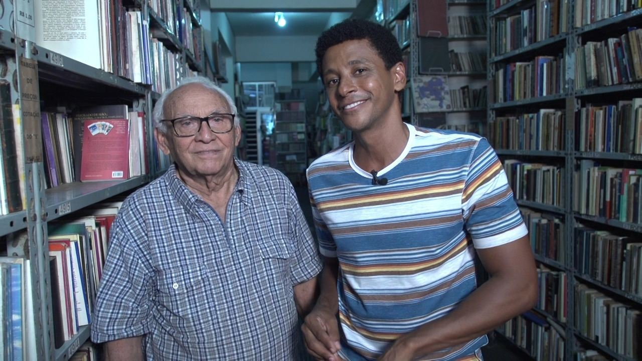 Aldri conhece o Sebo Brandão, um dos mais antigos da cidade, que tem mais de 500 mil obras