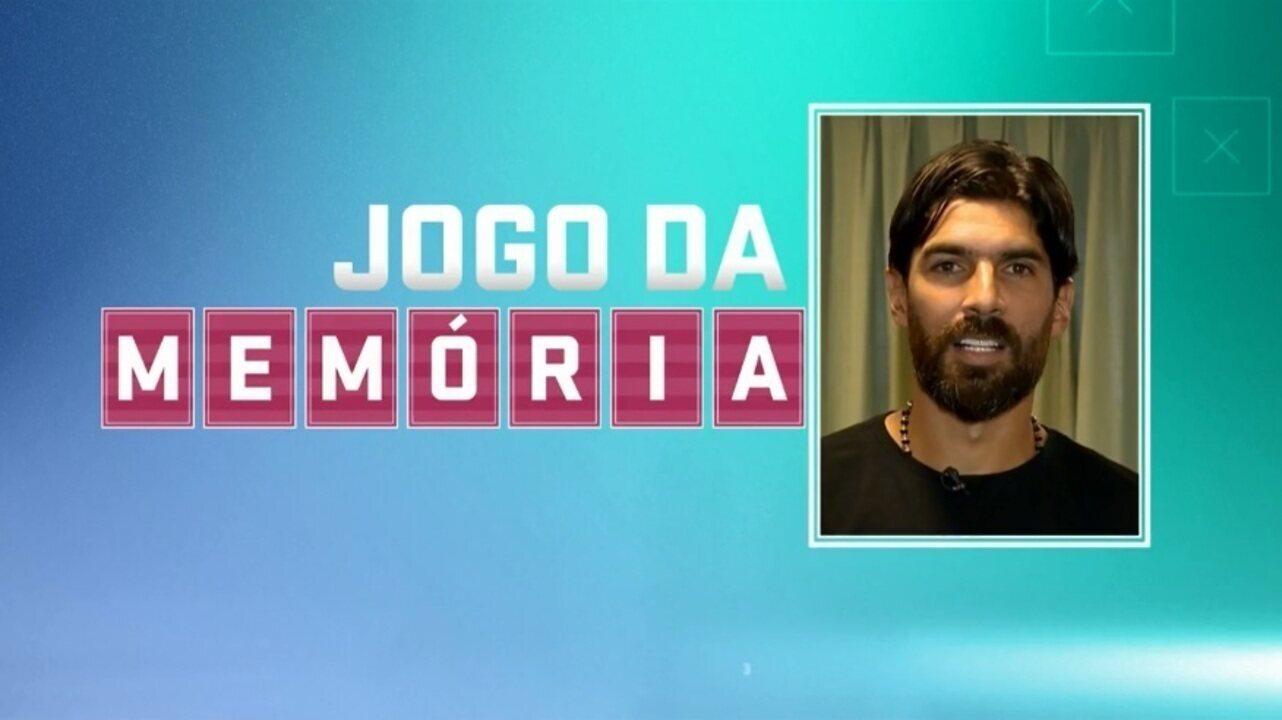 """Jogo da Memória #32: Loco Abreu, as cavadinhas por Botafogo e Uruguai e o """"Rebolation"""""""