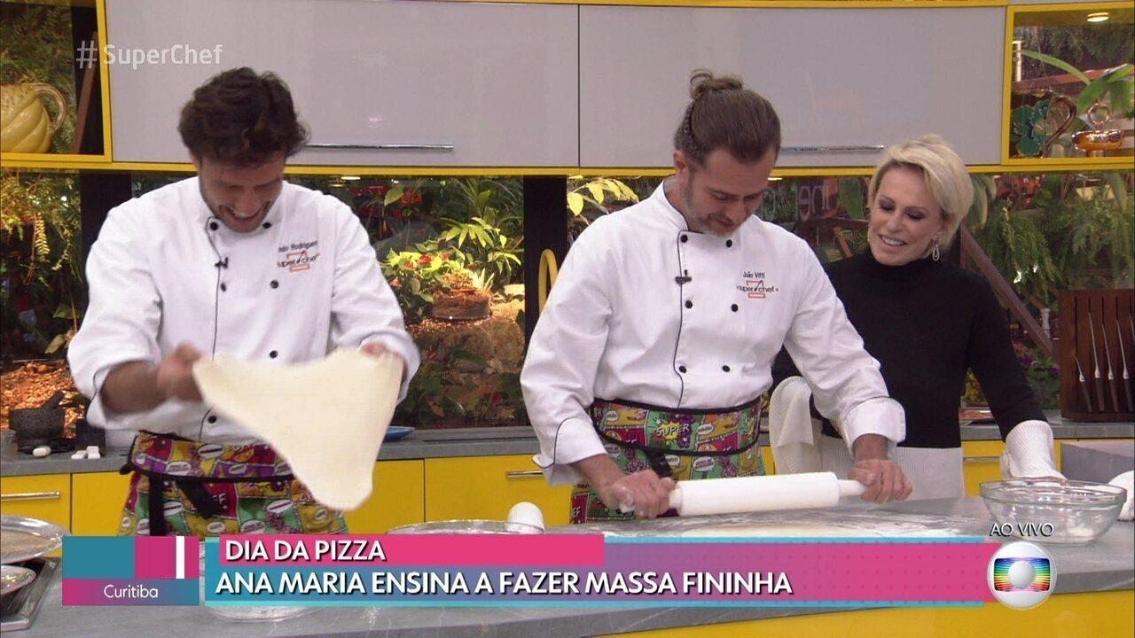 Semifinalistas do 'Super Chef Celebridades 2019' preparam pizza