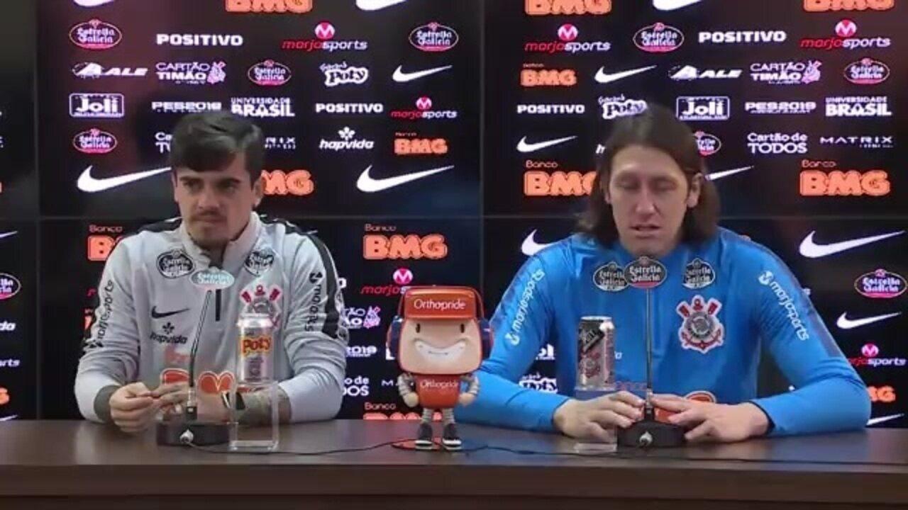 Fagner e Cássio em entrevista coletiva no CT Joaquim Grava