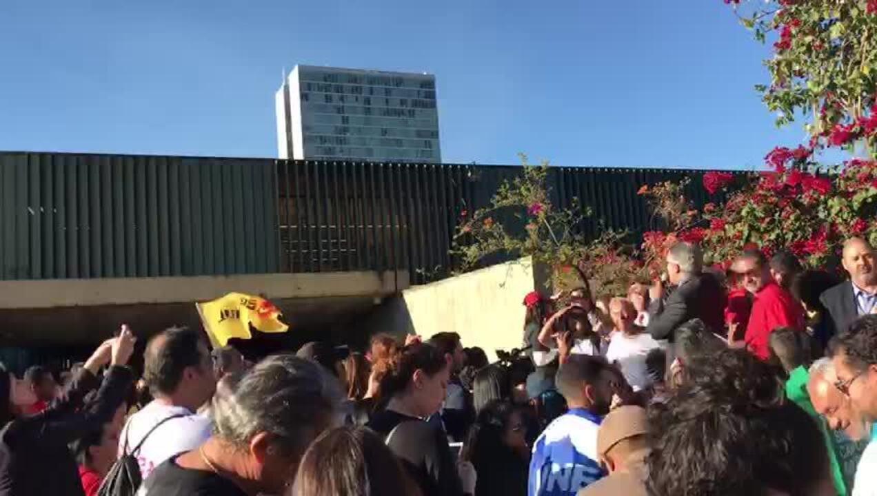 Manifestantes protestam contra reforma da Previdência na Câmara dos Deputados