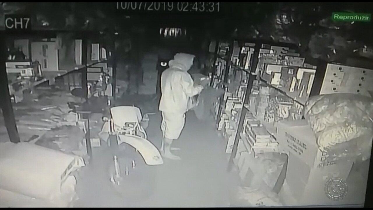 Polícia prende suspeito de furtar dinheiro e objetos de loja em Garça
